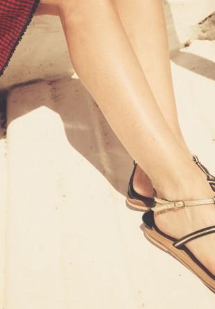 Spune-ne ce sandale vrei, ca să îţi spunem unde le găseşti