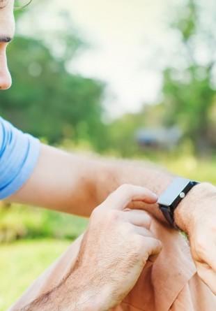 3 smartwatch-uri care să te completeze