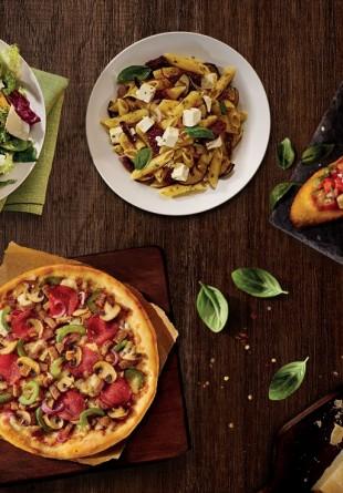 NOU: Deschidem restaurantul Pizza Hut ca să redescoperi bucuria meselor în oraș!