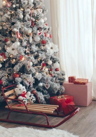 TREND: Roșu, alb și verde, cele 3 culori ale casei tale acest Crăciun