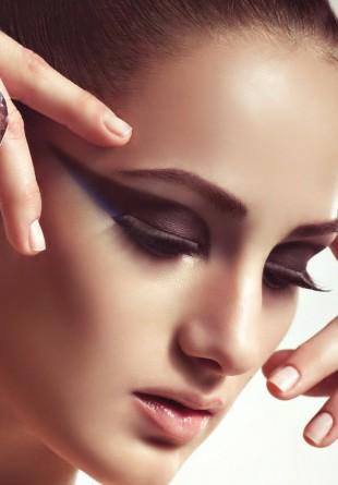 Descoperă esența feminității în strălucirea diamantelor