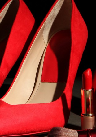 3 perechi de pantofi pe care trebuie să le porți primăvara aceasta