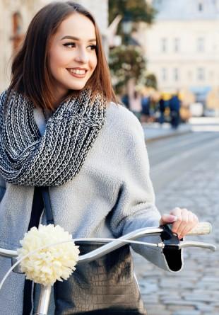 5 moduri în care să porţi eşarfa toamna aceasta