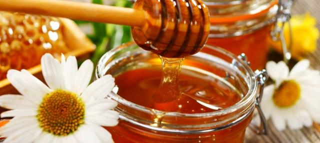 de-ce-iubim-mierea