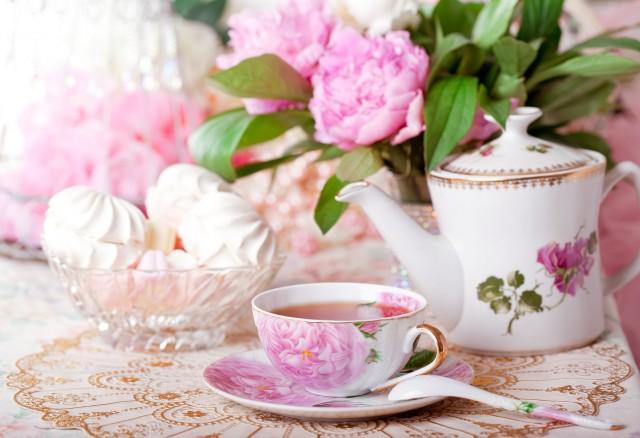 e-timpul-pentru-petreceri-cu-ceai