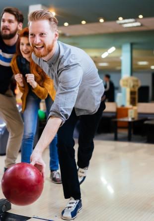 De ce iubim bowling-ul: 7 beneficii de sănătate