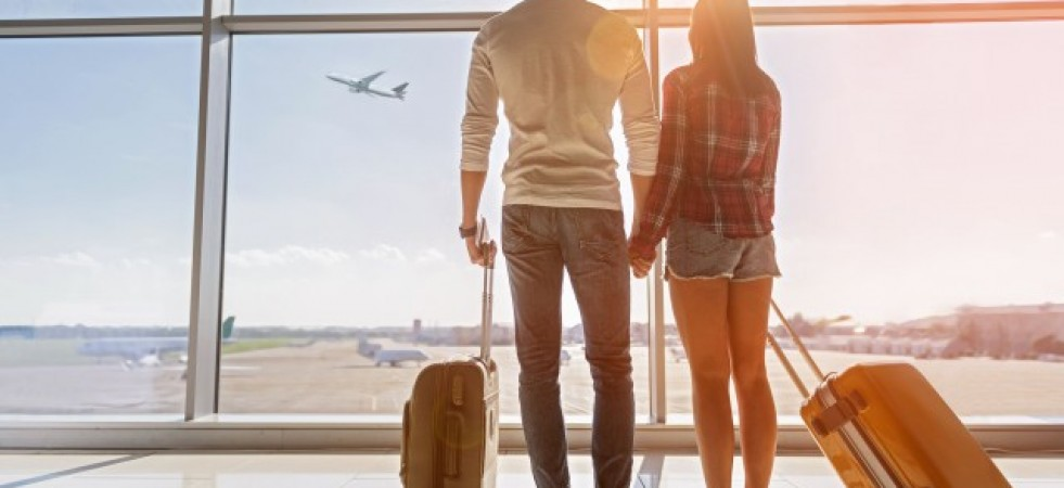TIPS & TRICKS: Ținute ideale pentru călătoriile cu avionul