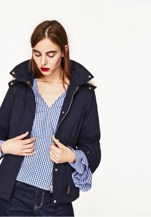 10 haine în care să investești la reduceri și pe care să le porți la toamnă