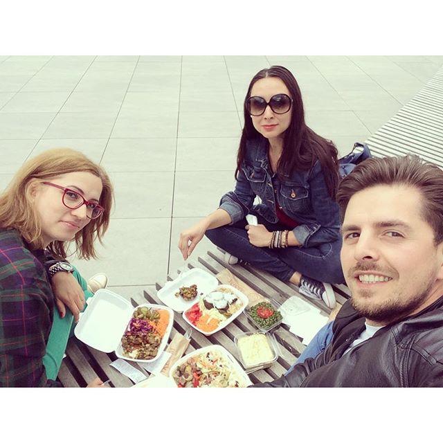 Urban picnic #pepromenada #urbannature #lunchbreak