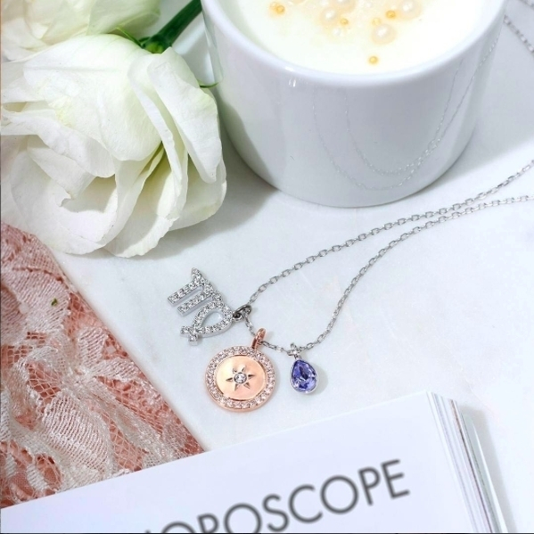 How's the horoscope today?Shop your sign link @swarovski #charms #horoscope #virgo #jewels #jewelry #swarovskicrystals #mall #promenadamall #accessories #precious #elegant #feminine #necklace  #delicate #ladystyle  #fashionblogger #latesttrends #collection #cute #pink #roses #magazine #seasonofvirgo #virgosign #astrosign #astrology #womenjewelry #shopping #getyours #picoftheday