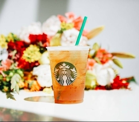 Make the best of the last warm days @starbucksromania.ro. #starbucks #starbuckscoffee #icecoffee #Teavana #yummy #tealover #tea #starbuckstea #cooling #icetea #yum #promenada #mall #promenadamall #lastdaysofsummer #nostalgia #sunnydays #mood #instadaily #coffeeshop #starbuckspromenada #bucharest #tasty #warmvibe #flowers #teaflavour