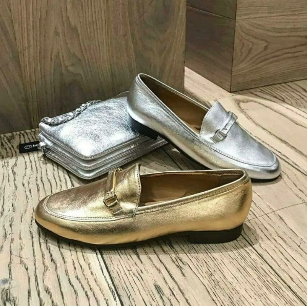 Choose the metallic ballerinas for a cool office outfit this week @bagatt.romania. #shoes #shoeslover #womenshoes #metallic #metallicshoes #fashion #womenfashion #instafashion #bagattshoes #mall #promenadamall #picoftheday #stylish #officeshoes #golden #silver #elegant #ballerinas #getyours #shopping #shoewear