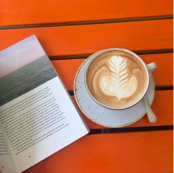 A good coffee next to a good book its all you need for a perfect day. See you this Sunday? @manufaktura_by_doncafe #manufakturabydoncafe #coffee #morning #Sunday #sundays #sundayvibes #coffeelover #coffeelove #coffeeaddicts #coffeeplan #coffeeplace #coffeetime#coffeeplease #instaplace #enjoycoffee #coffeeislife #coffeetable #barista #baristalife #lifeinbucharest