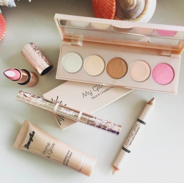 We love the nude and delicate make-up products from@douglasromania #douglascollection #goldparadise #duoglow #highlights #makeup #rose #gold #nudemakeup #makeuproducts #douglasromania #cosmetics #womencosmetics #getyours #newcollection #gift #douglaspromenada