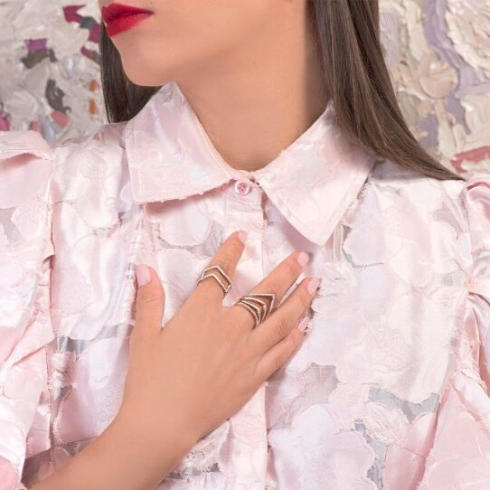 Every ring tells a story. Get yours @promenadaro @amazingjewelry.me. #silver #iAMazing  #amazingjewelry #wow #precious #ring #elegant #jewellry #gift #present #womenjewellery #amazing #amazingpromenada #store #delicate #luxury  #craft #beautiful #gorgeous #accesories